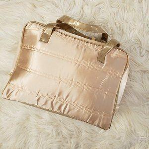 NWOT Elizabeth Arden Makeup Bag